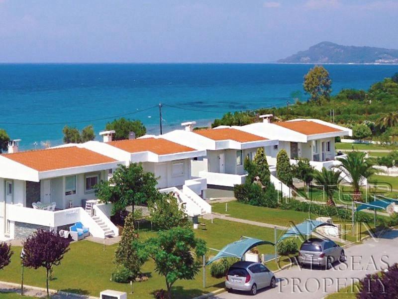 Недвижимость в греции у моря недорого цены билет на дубай цена