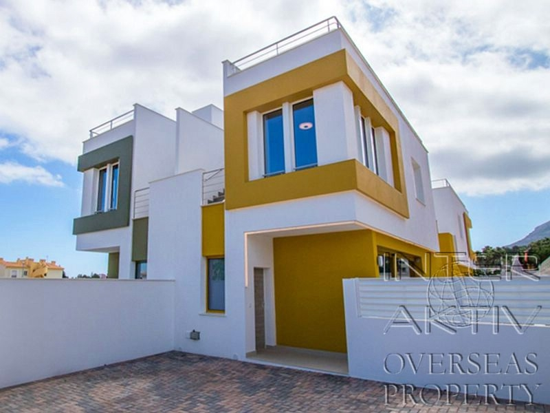 Недорогие дома в испании на берегу моря недвижимость в тайланде у моря