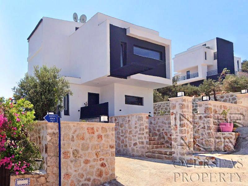 Недвижимость за рубежом недорого посредников дом в черногории у моря недорого цены